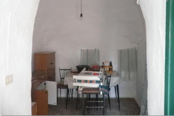 villa-con-trullo-mq-100-01