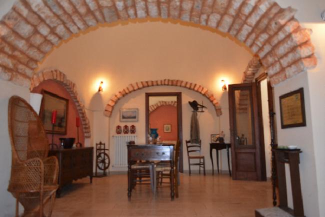 Maison Coloniale de Prestige en pierre avec piscine dans les Pouilles