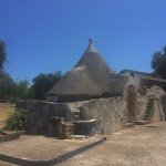 Trullo ristrutturato in vendita nelle campagne di Ostuni in Puglia