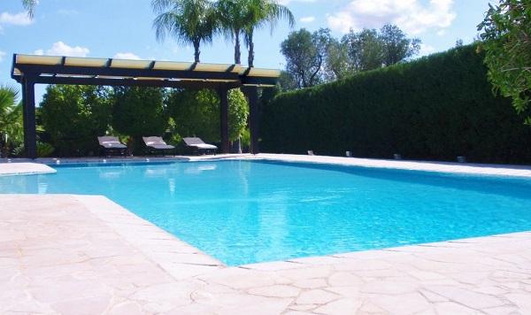Lcimmobili luxury villa con piscina immersa nelle - Piscina francavilla fontana ...