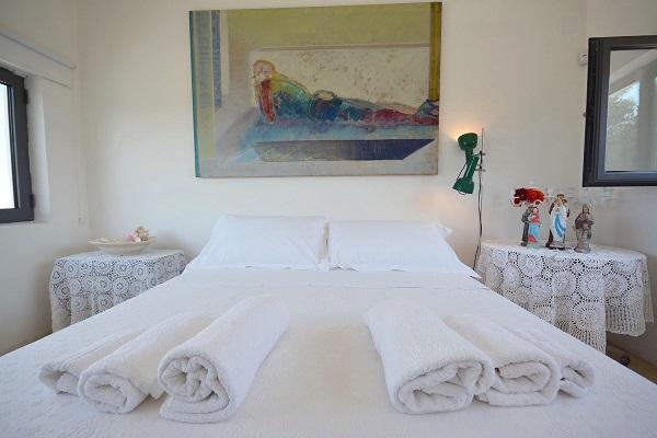 Villa-Ulivo-first-floor-double-bedroom-A-10-1