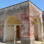 Large country house with land for sale in the Natural Reserve of Torre Guaceto in Apulia