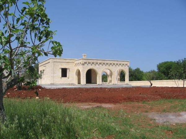Rustic villa with olive trees for sale in Carovigno